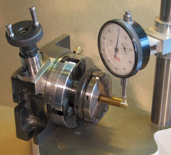 Centring the Unimat adaptor on the rotary table