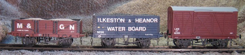 3H waggons and van in 0 Gauge