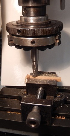 Milling a wooden signal doll - 7 mm scale