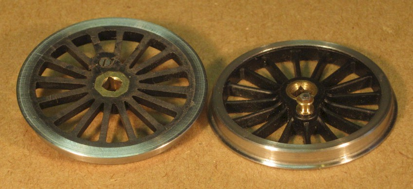 Slater's 0 gauge (7mm scale) wheel with replacement crankpin.